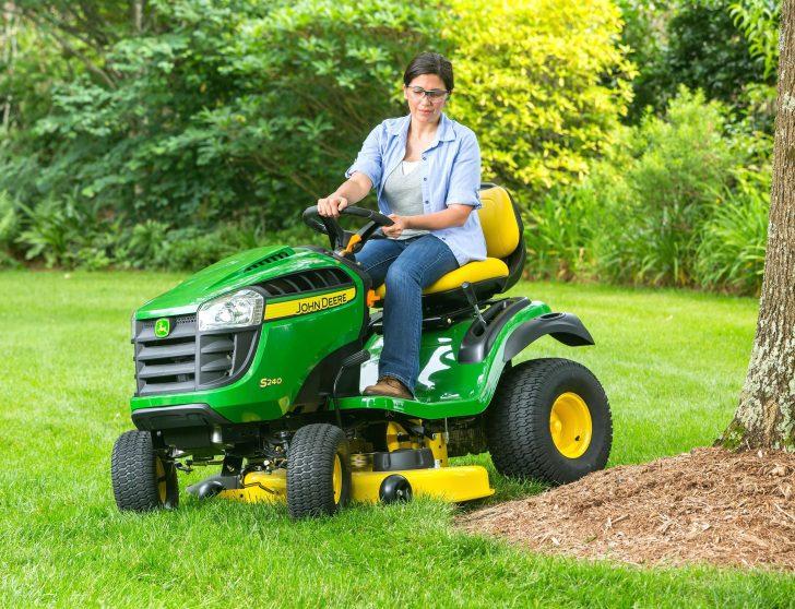 push-to-start-lawn-mower-s240-lawn-mower-tractor-deck-the-john-deere-20x10x8-tires-lawn-mower-728x558